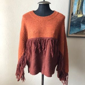Two-tone crew neck fringe pullover sweater M NWOT